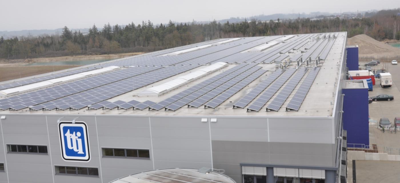 Photovoltaik-Solarstrom-Flach-Dach